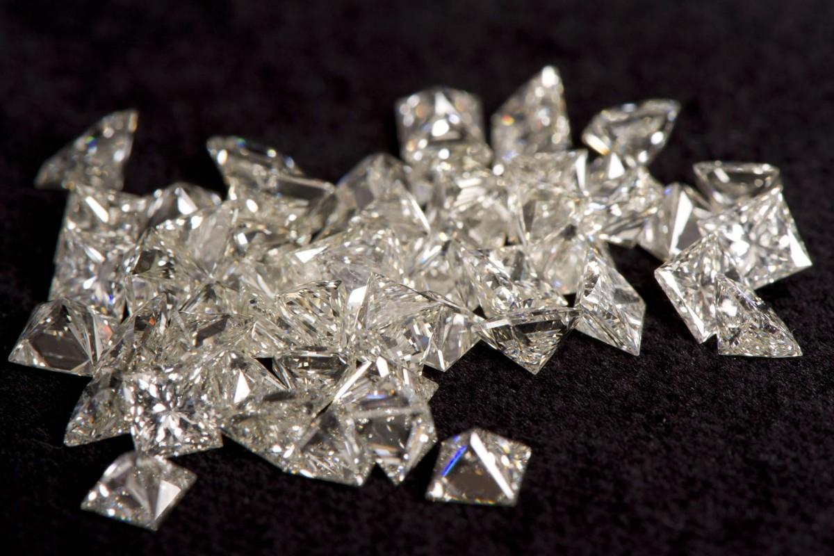 Характеристики бриллиантов и оценка стоимости по Рапапорту